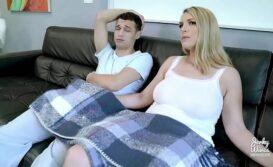 Sobrinho comendo a tia gostosa no video porno caseiro