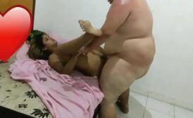 Gordo fudendo prostituta gostosa em Campinas no itatinga